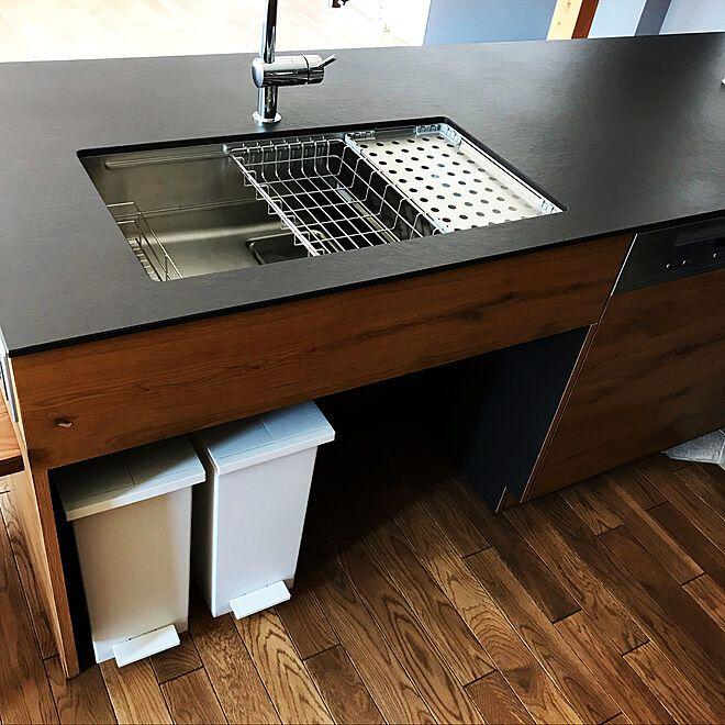 キッチン キッチンゴミ箱 シンク下 ナラ無垢床 ミーレ 食洗機 などの