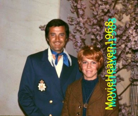 Lyle Waggoner and actress Vicki Lawrence.