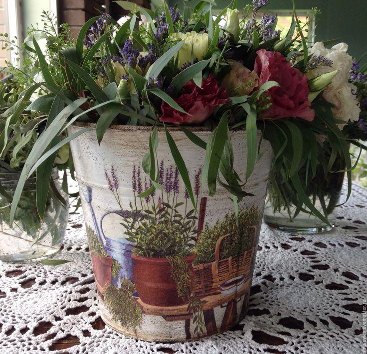 """Купить Металлические кашпо для цветов """"садовод"""", ваза для цветов - белый, шебби шик, сад"""