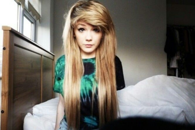 I LOVE THIS <3 what i would give to have her hair <3