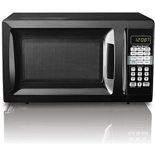 #coo With modern styling and convenient features, the #Hamilton #Beach 0.7 Cubic Foot Microwave Oven makes a great addition to any kitchen.