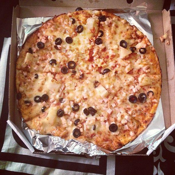 и никуда без гавайской пиццы