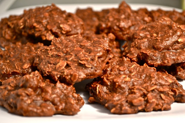 Chocolate Oatmeal Cookies (Sugar-Free, Dairy Free, and Vegan)  YES! YES! YES!!!
