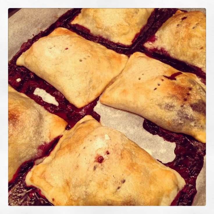 Blueberry Hand Pies (Bon Appetit) http://thelindeetree.com/wp-content ...