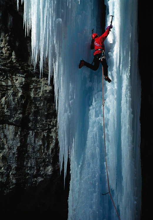 """Mark Twight climbing the frozen waterfall """"Stone Free"""" in Rifle Colorado, USA.  By Chris Noble"""