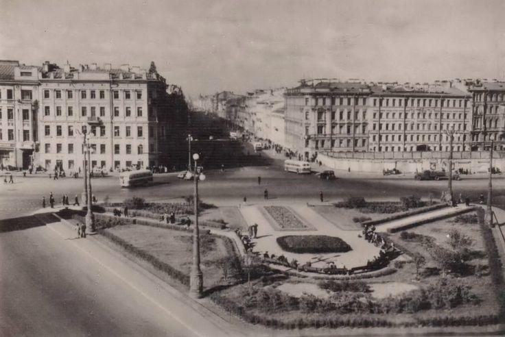 Площадь Восстания.  1952 г.