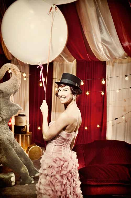 vintage circus wedding inspiration from Get Hitched Give Hope - photos by Laurel McConnell via junebugweddings.com