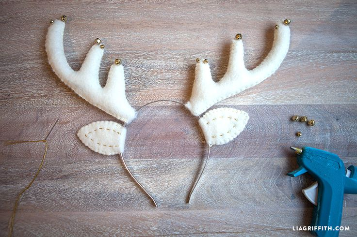 Make your own cute felt reindeer headband with this downloadable pattern and tutorial by handcrafted lifestyle expert Lia Griffith.
