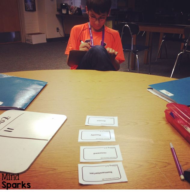 Quick draw---a great way to review OR introduce vocabulary, spelling...basically any concept!  Check out this freebie!  #freebie #vocabulary #teachinggames