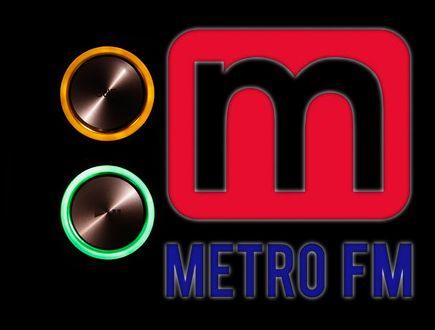 Yabancı müzik konusunda tamamen fenomen olmuş bu landa başı çeken özek metro fm kendi oluşturmuş olduğu yabancı hit 20 top 40 listesi ile sürekli olarak takip edilmektedir. http://www.radyodinletfm.com/radyo-metro-fm/
