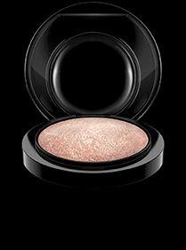 MAC Mineralize Skinfinish in Soft & Gentle