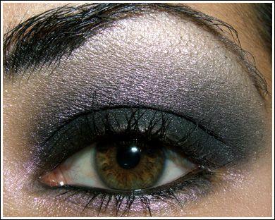 Looks - Ultra Black Smoky Eye, Easy Smoky Eye