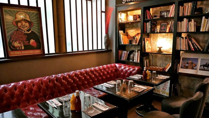 les 25 meilleures id es de la cat gorie bar cosy paris sur pinterest restaurant paris 17. Black Bedroom Furniture Sets. Home Design Ideas