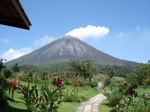 Costa Rica - My nephew has a home there and we're looking forward to visiting when they go back this year.: Buckets Lists, Activities Volcanoes, Costa Rica Wow, Costa Rica Tak, Mondays Mornings, Monday Morning, Volcanoes Costa, Costa Rica 3, Bucket Lists