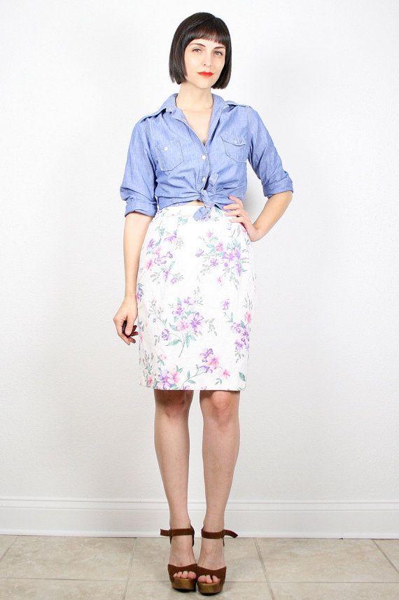Vintage Mini Skirt White Floral Print Tulip Skirt High Waisted Skirt Pencil Skirt 1980s Skirt Light Summer 80s Skirt Preppy S Small M Medium by ShopTwitchVintage #vintage #etsy #80s #1980s #skirt #midi #mini #floral