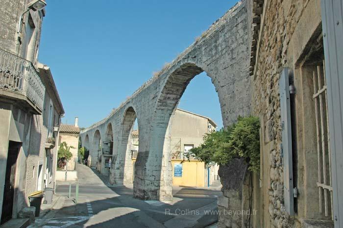 Castries aqueduct. Languedoc-Roussillon.