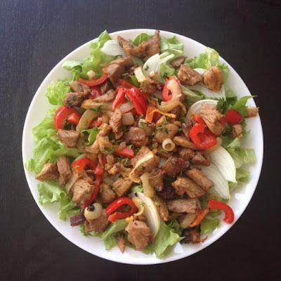VIDA FELIZ: na Horta: Receitas das Colheitas: Salada de ALFACE FRISADA com Restos de Carne Assada de Peru