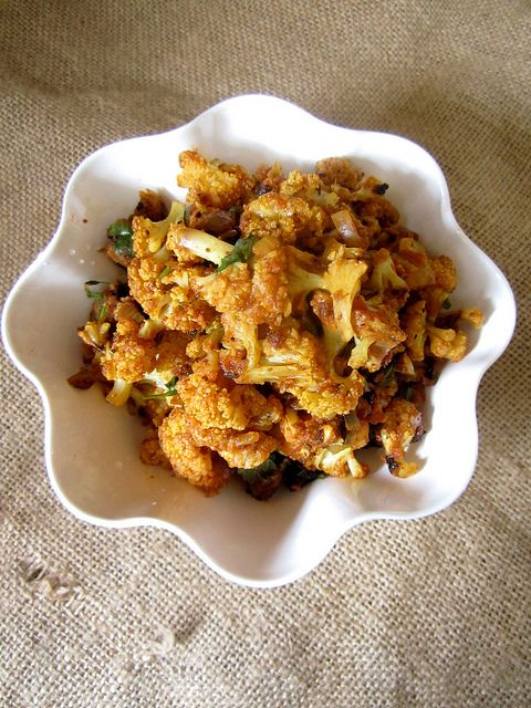 Dry Cauliflower Sabzi{For Roti} by easycooking, via Flickr