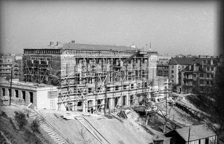 1951. Mechwart liget, a Kerületi Tanács építése,