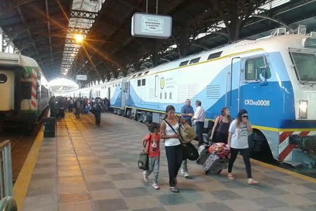 CRÓNICA FERROVIARIA: Cambio Horario Tren de Pasajeros Retiro - San Migu...
