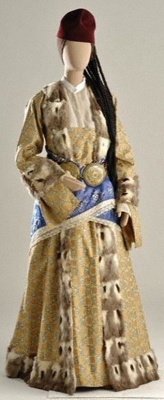 Greek festive dress from Silli (Sille), near Ikonion/Konya in Asia Minor/Turkey.  Late-Ottoman era, early 20th century.   The Greek-Orthodox inhabitants from Turkey were expelled from the country in 1923, in exchange for Muslim populations from Greece.  At this occasion Turkey lost a lot of cultural and economic potential, and the expelled lost their homeland.