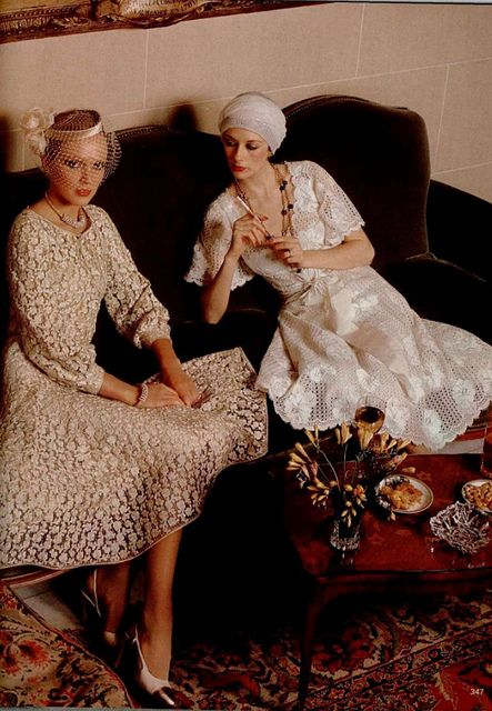 CHANEL 1977  #LMV #Chanel #mode #vintage #luxe http://www.la-mode-vintage.com/