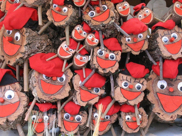 The Barcelona Christmas market has arrived! Filled with traditional Christmas decorations it's an event you won't want to miss!