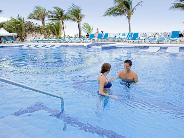 Hotel Riu Palace Paradise Island (Nassau, Bahamas)       #thejoyoftravel www.thejoyoftravel.net