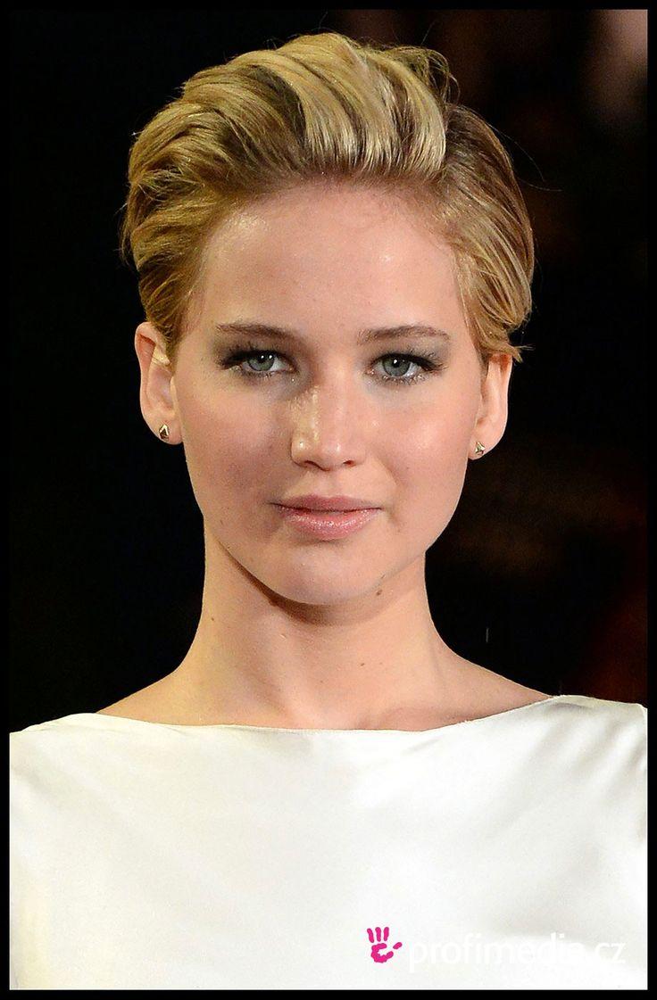 Jennifer Lawrence is a Peach | www.celebritypeach.com