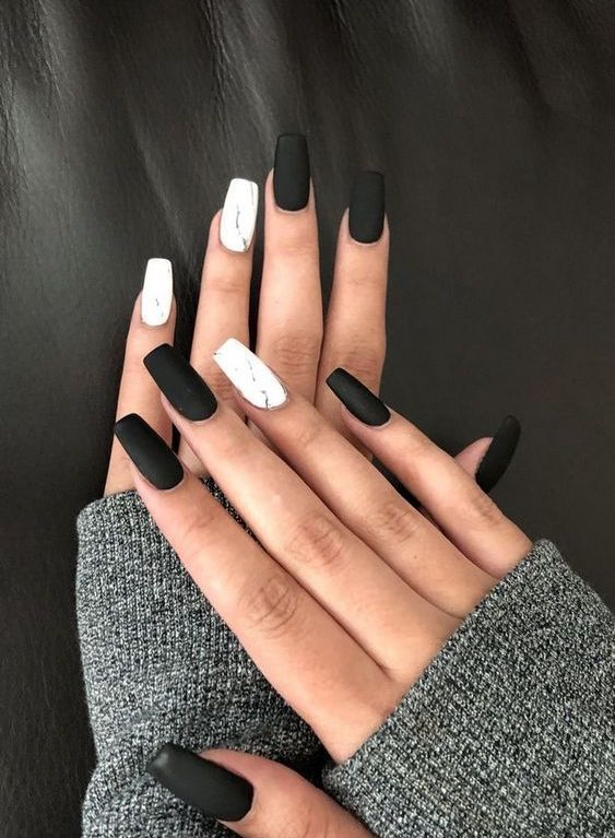 ongles; Ongles naturels; Ongles monochromes; Ongles en acrylique; Ongles doux, mariage …   – Nageldesign