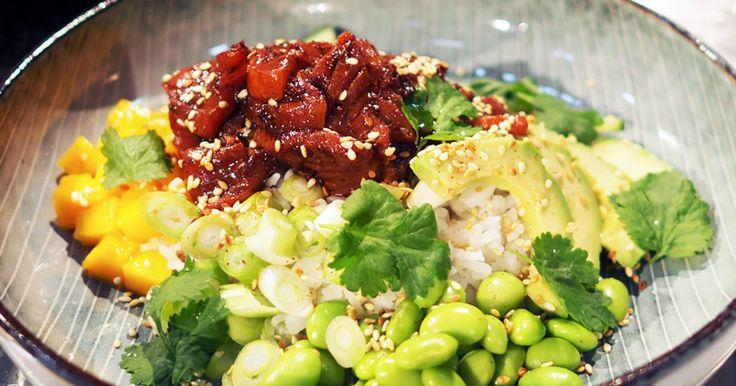 Poké bowl med marinerad lax | Recept från Köket.se