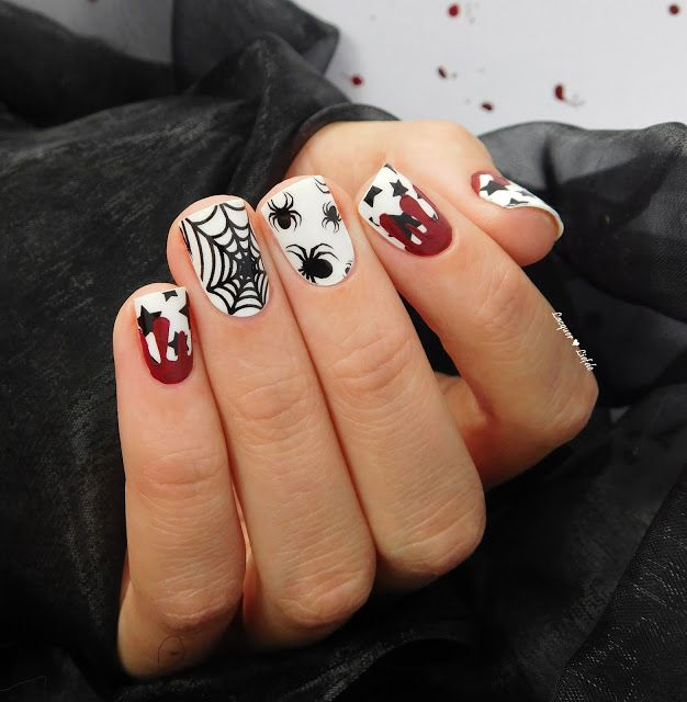 Thumbs Up Halloween Special Nail Wraps - Midnight Party http://lacquer-liefde.blogspot.de/2015/10/thumbs-up-halloween-special-midnight.html