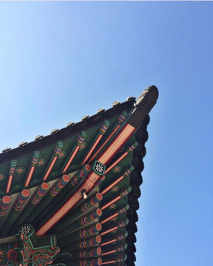 My favorite view in all of Korea. Blue skies and beautiful pagodas. #100daysofloveforkorea