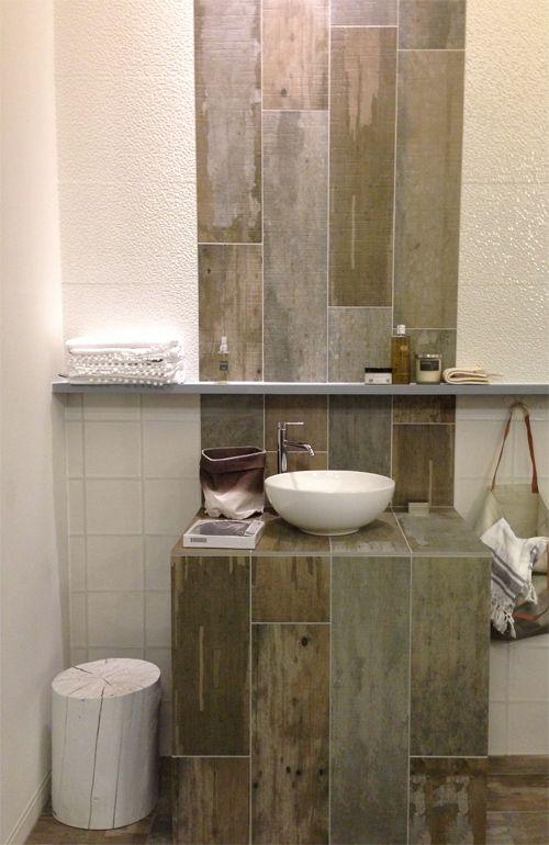 unique tile setting for a small bathroom