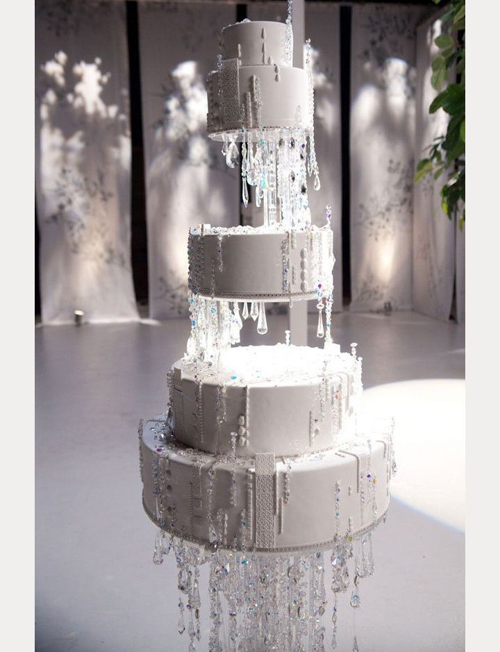 wedding cake upside down 1000 ideas about suspended wedding cake on 26748