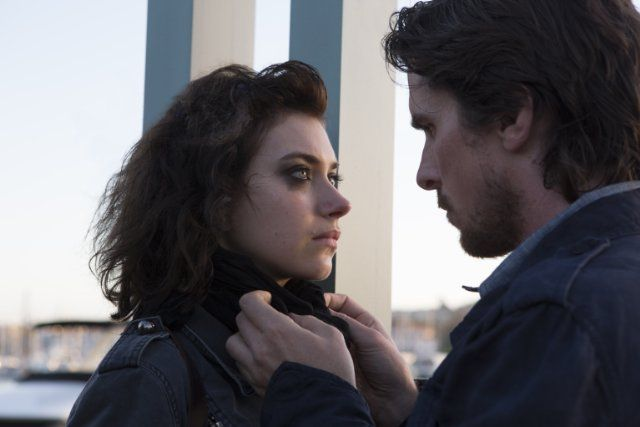 Christian Bale and Imogen Poots in Knight of Cups (2015)