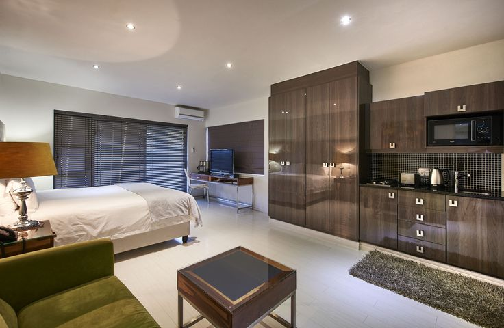 It's easy to understand why you might lose track of time in the moment in this room of tranquility. Pamper yourself, the world can wait. #Holidays #Sandton #Hotel For more information go to http://www.dynastypropertygroup.com/?utm_content=buffer99103&utm_medium=social&utm_source=pinterest.com&utm_campaign=buffer