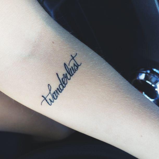 Wanderlust: expressão derivada do alemão - ''wandern'' significa ''a vagar'', e ''Lust'' significa ''desejo''. É comumente definido como um forte desejo de viajar, ou de ter um forte desejo de explorar o mundo. Não é somente um simples desejo, é uma sensação que toma todo o corpo e a mente, e em uma seqüência de fatores, incluem-se uma sensação de desconforto nas pernas, nos músculos, e aquele desejo incontrolável de ir,