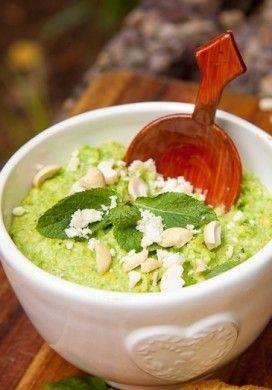 Pesto di piselli e anacardi per le vostre bruschette