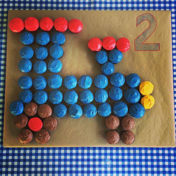 DIY train cupcake cake, train birthday cake