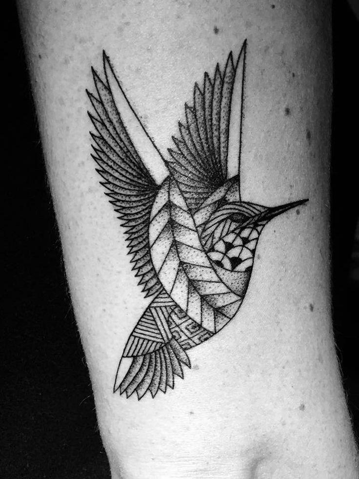 Oiseau tatoué par Studio Art Tattoo à Bordeaux #tattoo #bird #tatouage #bordeaux #oiseau #tatouage #art #graphisme
