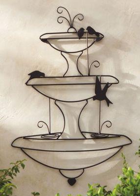 Fonte com Passaros de Arame para decoração na Parede