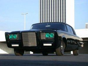 Green Hornet Comme nous l'avons vus dans la première partie, les frères Barris ont créé et co-réalisé plusieurs véhicules extraordinaires.