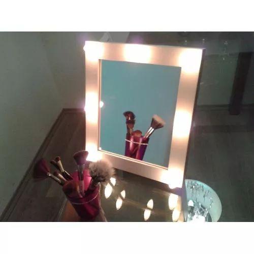 Espelho Tipo Camarim Portátil - R$ 180,00