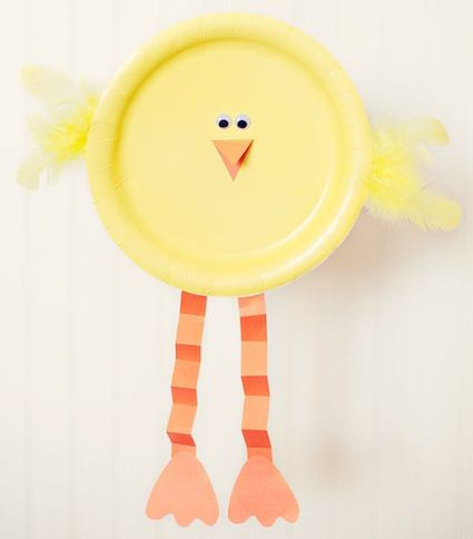 spring craft Paper plate chick! Check out this adorable craft that Simple