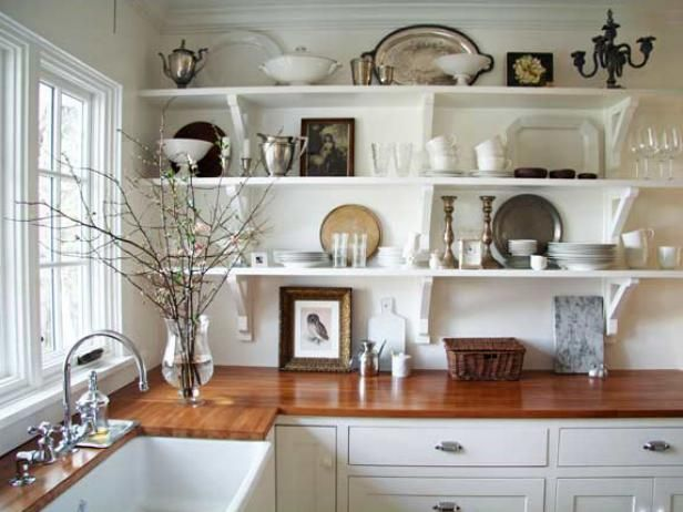 Explore your options for a farmhouse-style kitchen, and get ready to create a warm and welcoming kitchen design in your home.