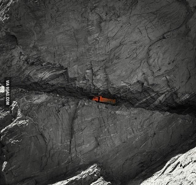 Karakoram Highway, Pakistan. It connects Pakistan with China - 9GAG
