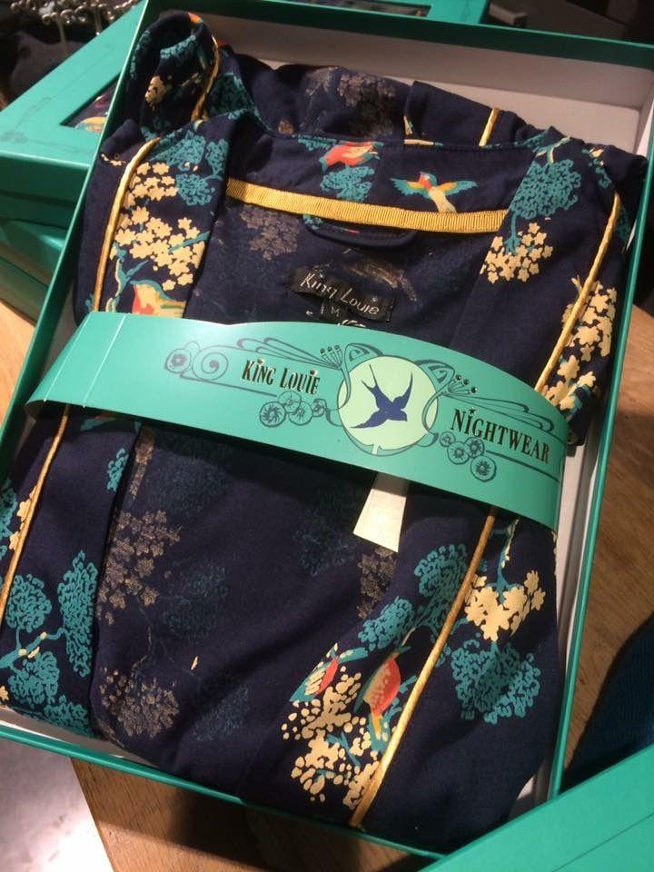 #Scooter #Enschede Prachtig cadeau #KIMONO van #KINGLOUIE Heerlijke kimono voor in huis in Aziatische stijl  #Scooter #Enschede #Damesmode #Haverstraatpassage