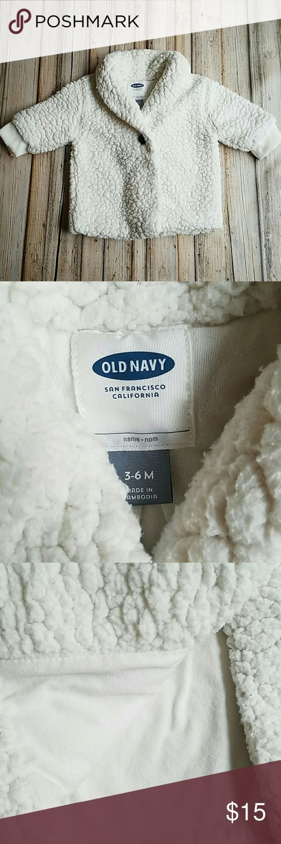 Old Navy Baby Jacket Gently used Old Navy baby jacket is soft and warm.   Size:     3-6 months Color : off - white   No rips/stains/holes Old Navy Jackets & Coats