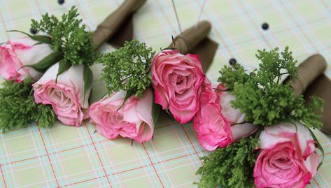 boutonniere DIY Glossed & Found_4
